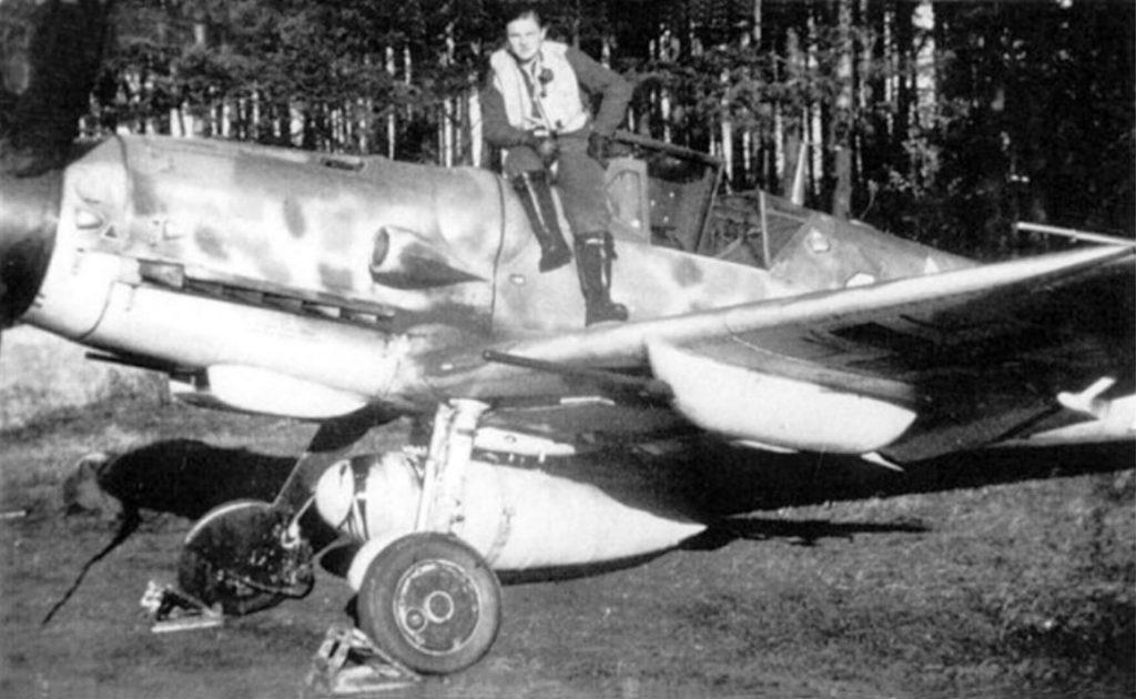 Messerschmitt Bf.109 G-5 R3/R6 W.Nr 26082, Viktor Widmaier Ольденбург 1943 год