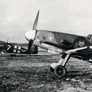 Messerschmitt Bf.109G-2 и Bf.109G-2/R6 из III/JG54 1942 год