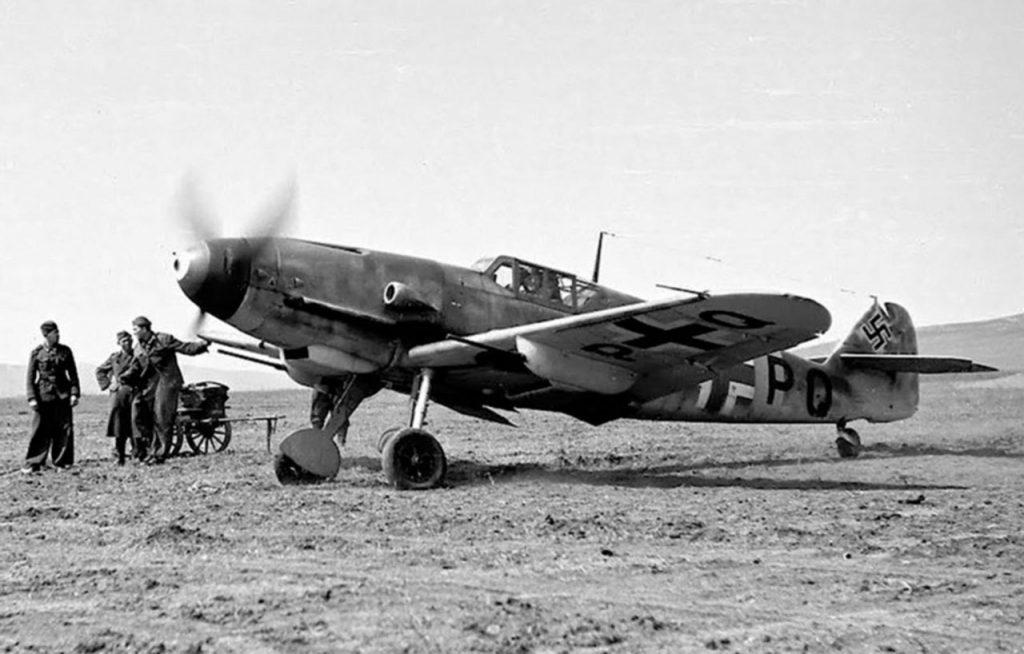 Messerschmitt Bf.109 G-4/R6 CU+PQ 13.(slov)/JG52 Анапа апрель 1943 года