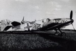 Messerschmitt Bf.109 G-10 W.Nr 611155 Uffz. Anton Kellmeier 6./JG52 Neubiberg май 1945 года