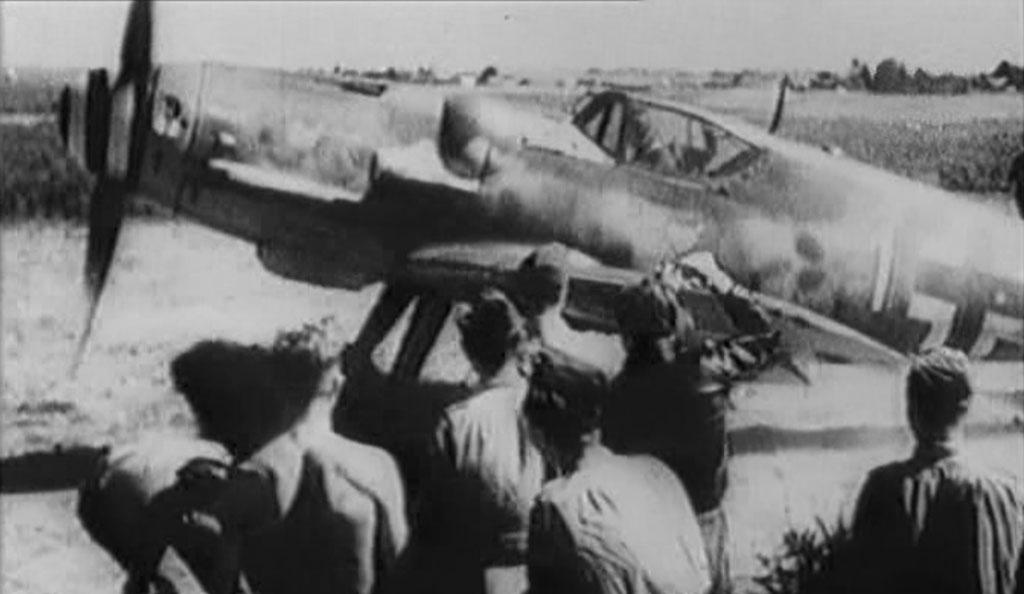 http://grafiq.ru/wp-content/uploads/2016/11/Messerschmitt-Bf-109G-6-Gelbe-1-Erich-Hartmann-9-JG52.jpg