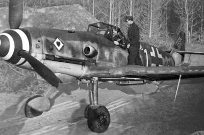 Messerschmitt Bf-109K-4 W.Nr 330204 Franz Menzel 9./JG77 Neuruppin Германия ноябрь 1944 года