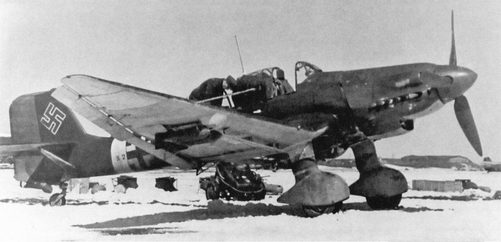 Junkers Ju.87 D-5 II/SG77 одна SC500 и четыре SC50 бомбы, зима 1943-1944 годов