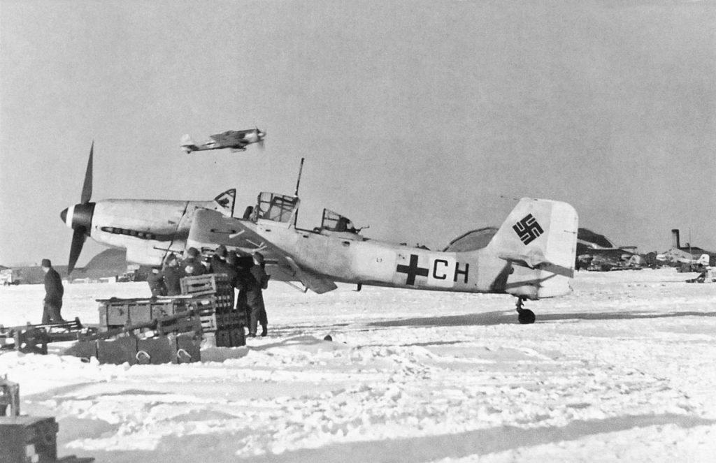 Junkers Ju.87 D-5 L1+CH 1./SG1 февраль 1944 года