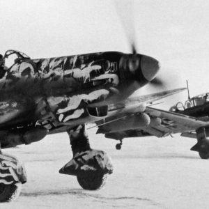 Junkers Ju.87D-5 с бомбами AB250 и SC250