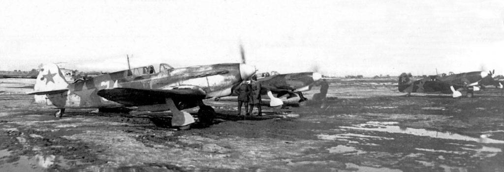 Истребители Як-7Б из 29ГИАП 275ИАД 13ВА Ленинградского фронта, весна 1943 года