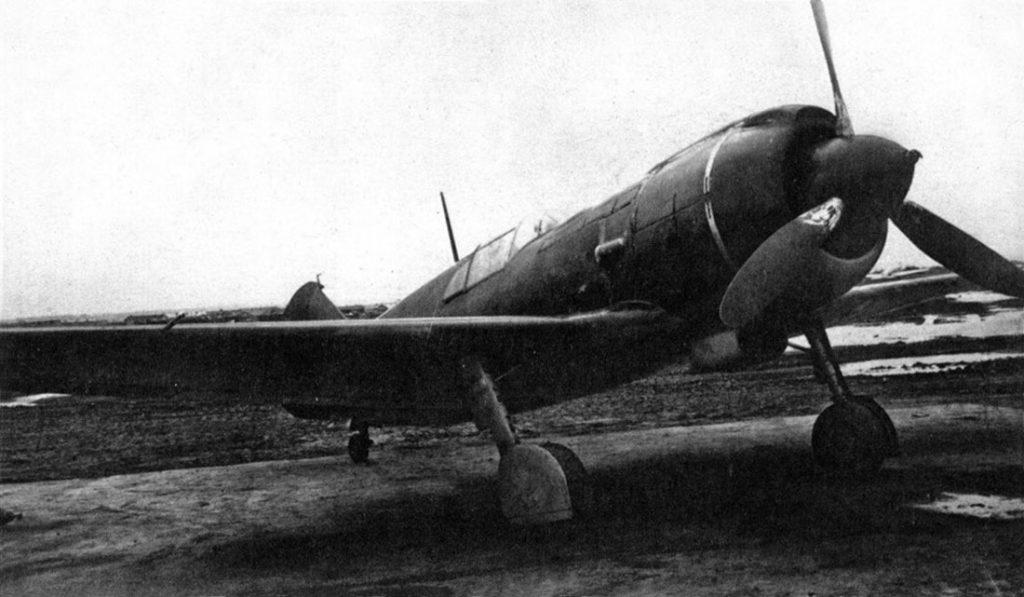 Истребители ЛаГГ-5 позже получили обозначение Ла-5