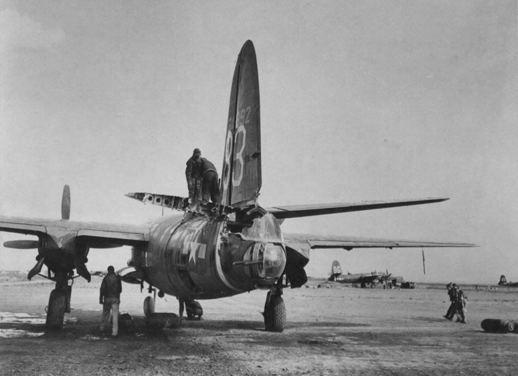 "Martin B-26C-10-MO Marauder s/n 41-34892 ""Modern Design"" 440BS 319BG после столкновения в воздухе 9 февраля 1944 года с другим B-26"