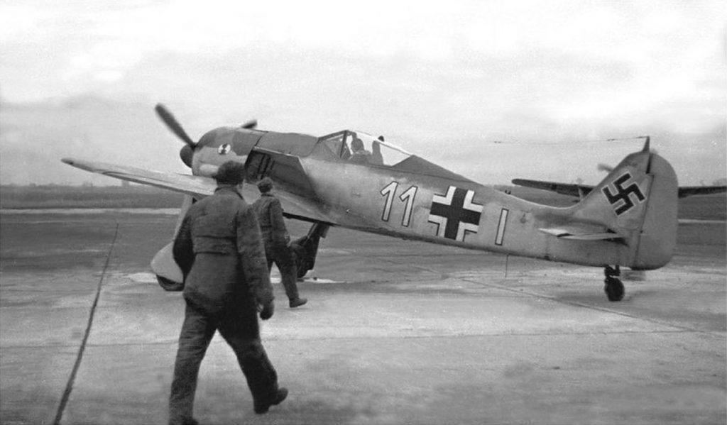 Focke-Wulf Fw.190 A-4 W.Nr 2418 Erich Hohagen 7./JG2 март 1943 года