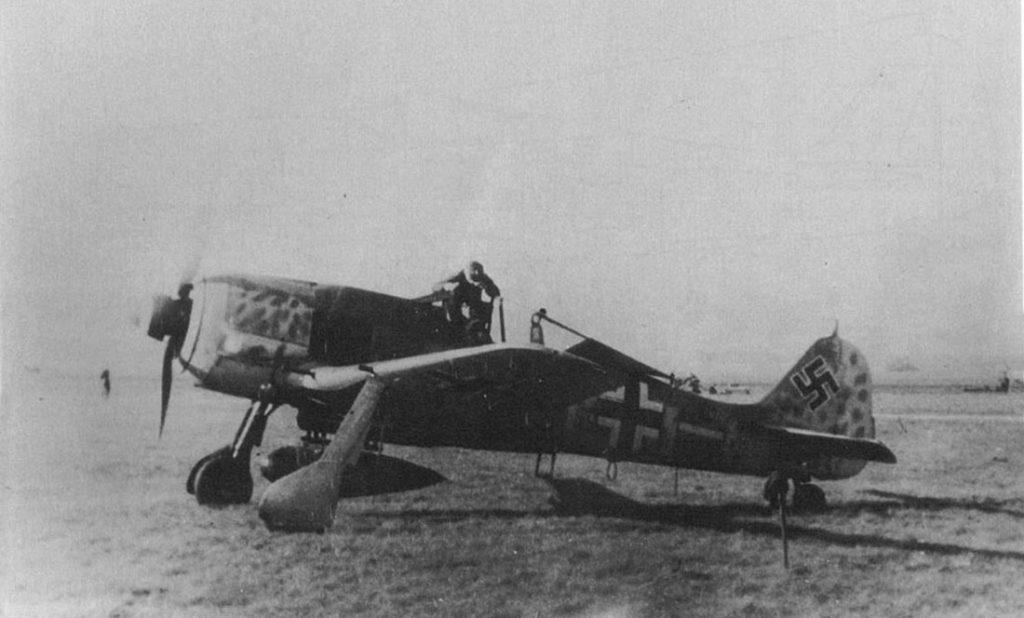 """Focke-Wulf Fw.190 A-8 """"Sturmjäger"""" W.Nr 682641 Fw. Ewald Preiss 6./JG300"""