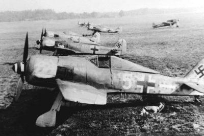 Focke-Wulf Fw.190 A-8 W.Nr 681366 7.(Sturm)./JG300 Holzkirchen 1944 год