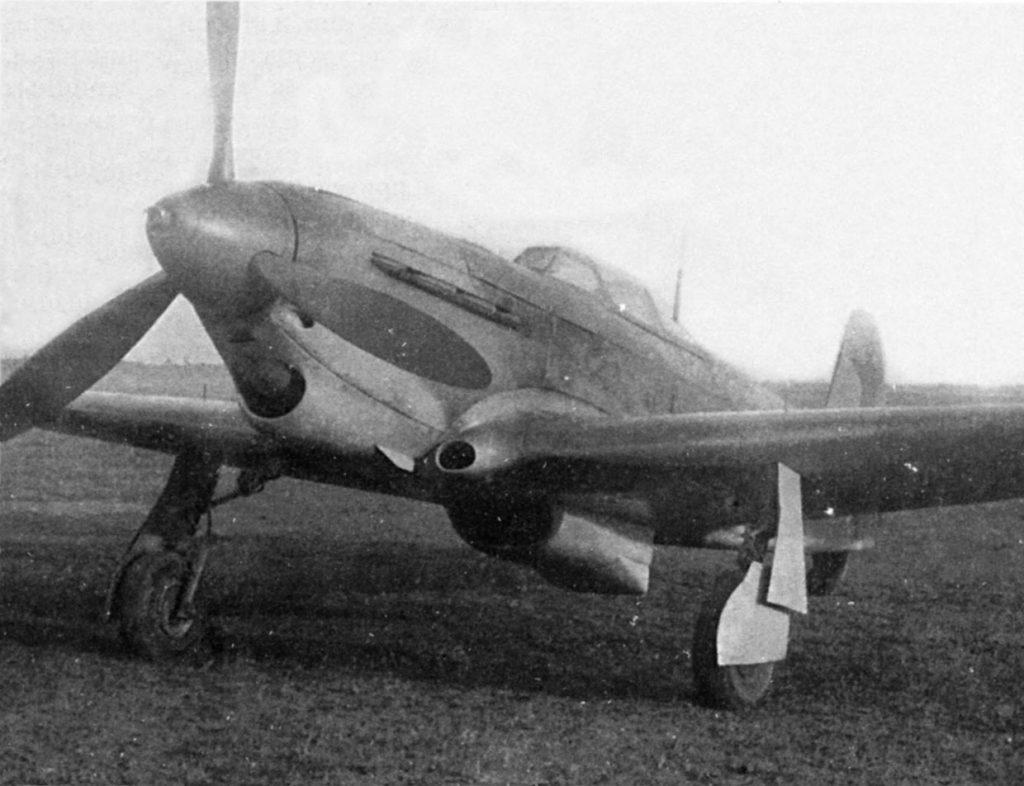 Як-1б №3299 с двигателем М-106