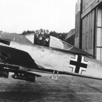 Focke-Wulf Fw.190 A-3 W.Nr 447 с адаптером ER-4 для бомбодержателя ETC 501 и четырех бомб SC50