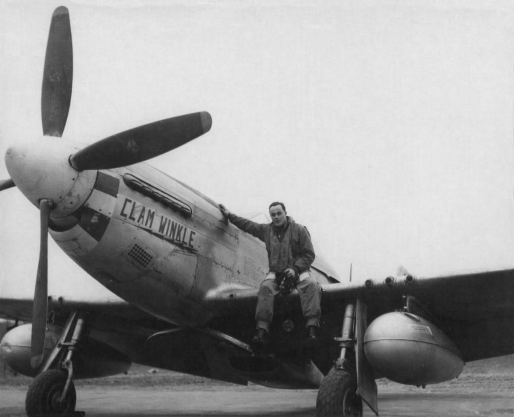 """North American P-51K Mustang s/n 44-11762 """"Clam Winkle"""" Lt.Col. Joseph Mcmanus 364FG 383FS"""