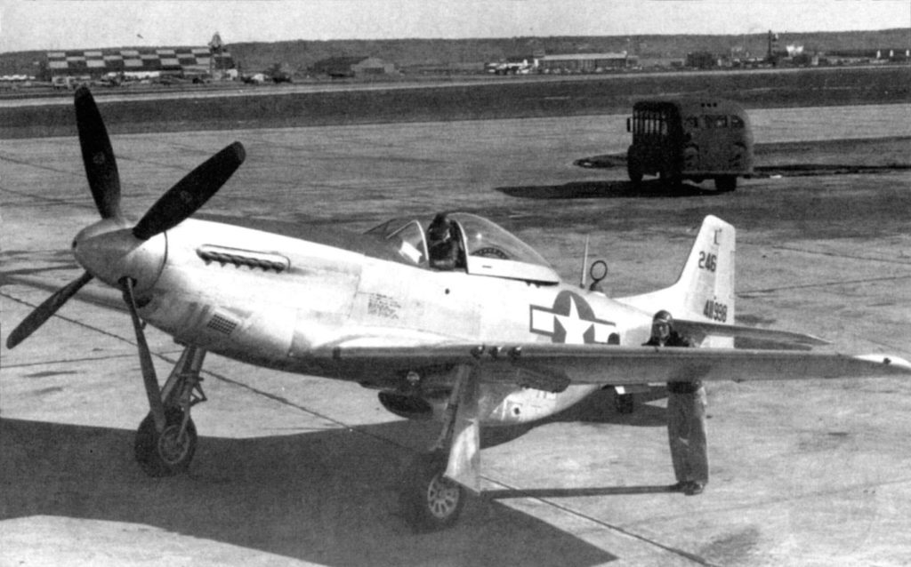 На базе P-51K Mustang s/n 44-11998 создан фоторазведчик F-6K