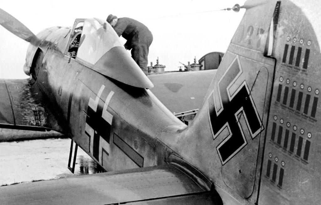 Focke-Wulf Fw.190 А-1 W.Nr 027 Oblt. Walter Schneider 6./JG26 1941 год
