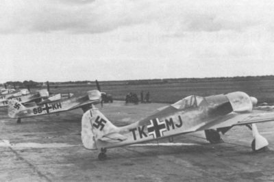 Focke-Wulf Fw.190 A-1 W.Nr 047 TK+MJ, W.Nr 008 SB+KH, Bremen весна 1941 года