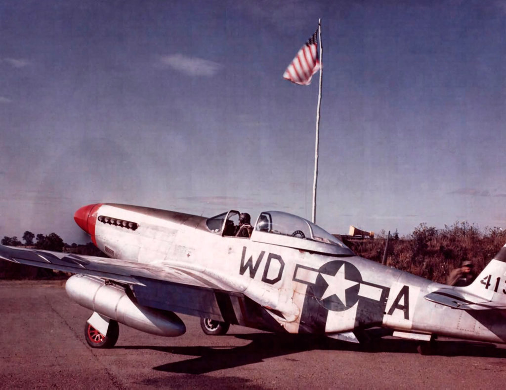 North American P-51D Mustang 2nd Lt. Darwin L. Berry 4FG Debden