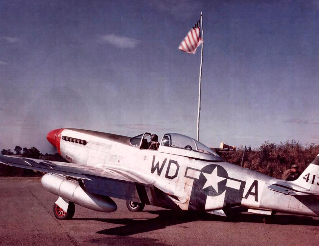 North American P-51D Mustang 2nd Lt. Darwin L. Berry 4FG Debden