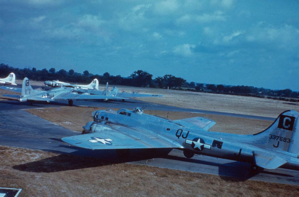 Boeing B-17G-70-BO Fortress s/n 43-37683 339BS 96BG аэродром Snetterton Heath