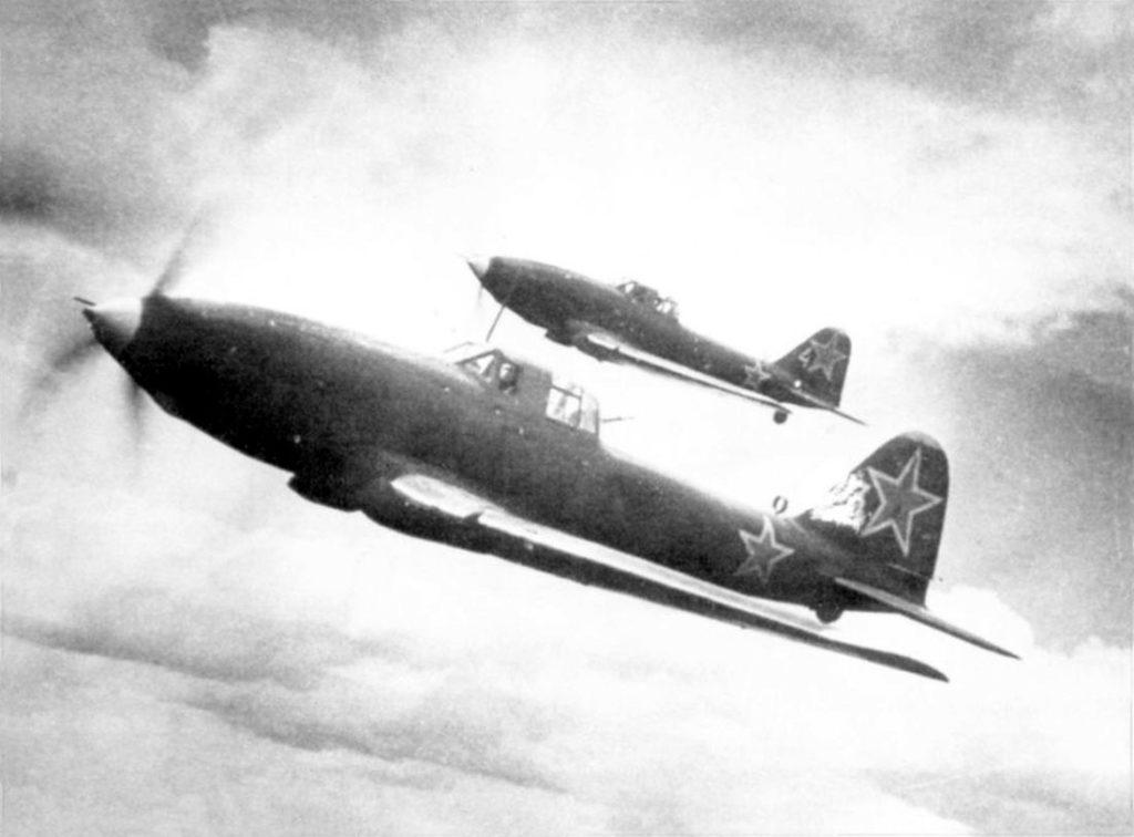 Ил-10 в полете
