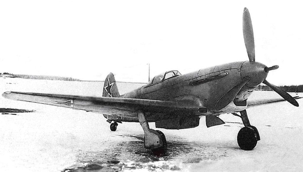 Прототип Як-9К на базе серийного Як-9Т №01-21 с 45-мм пушкой на испытаниях в НИИ ВВС, начало 1944 года