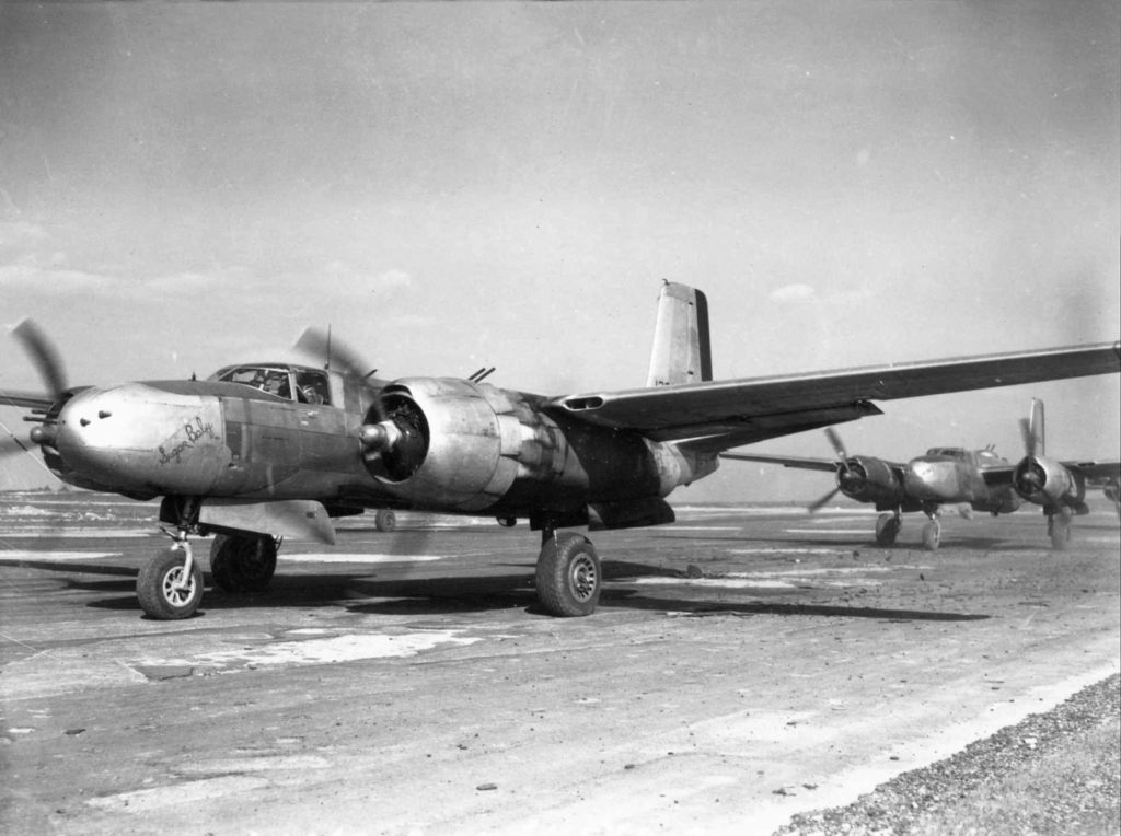 "Douglas A-26B-20-DL Invader (s/n 41-39274, 5H-S) ""Sugar Baby"" 668BS 416BG, Laon-Athies Франция, 20 марта 1945 года"
