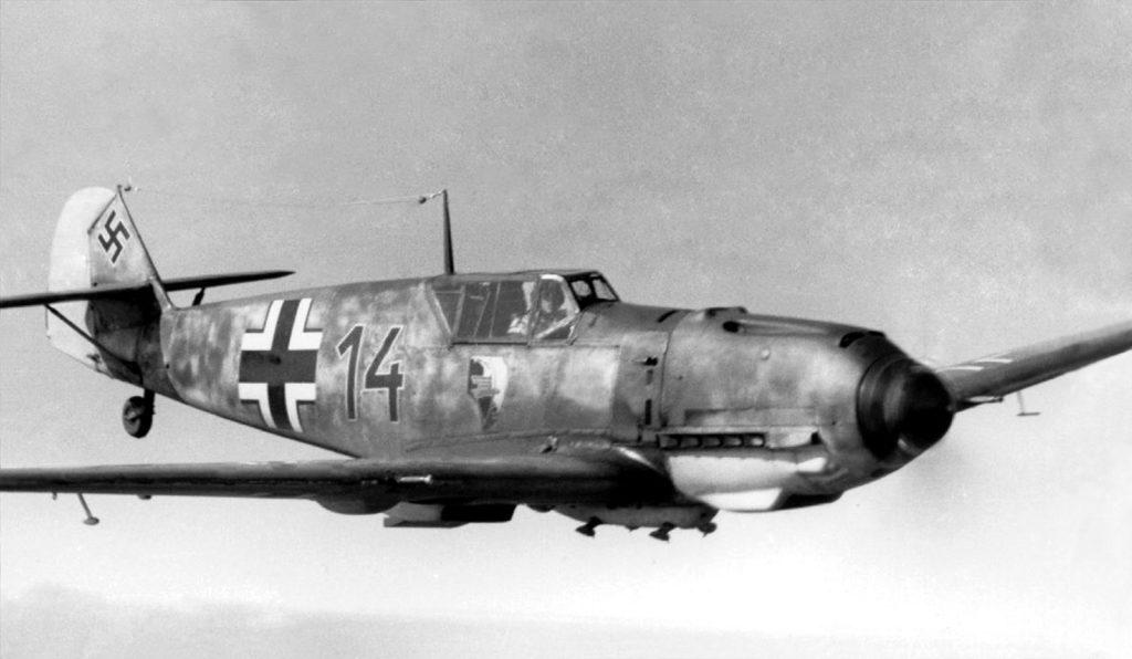 Messerschmitt Bf.109E из Erg.Gr./JG54 с эмблемой III/JG1