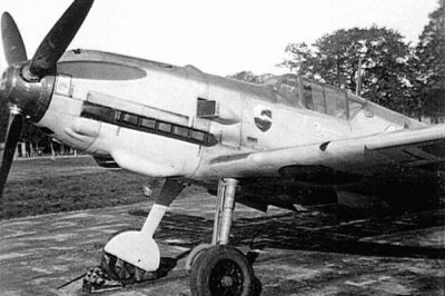 "Messerschmitt Bf.109 E-1 с ""поздним"" фонарем, 4./JG77 начало 1940 года"