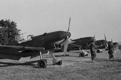 На переднем плане Messerschmitt Bf.109 C-3 из JG130