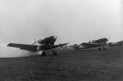 На переднем плане Messerschmitt Bf.109 C-3 JFS4